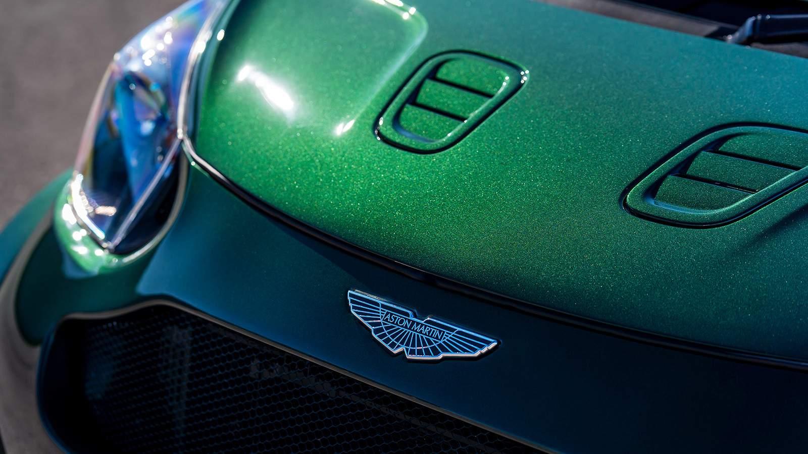Aston Martin автомобиль