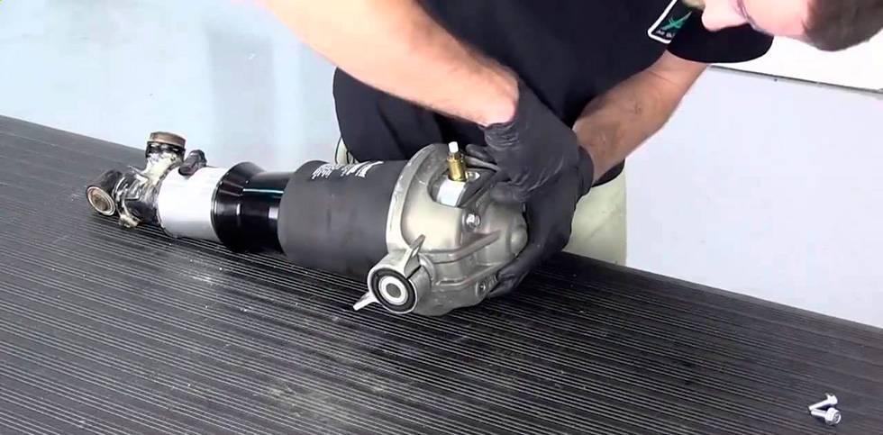 замена клапана пневмобаллона в москве